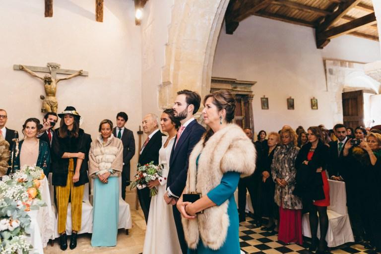 altar-iglesia-novios