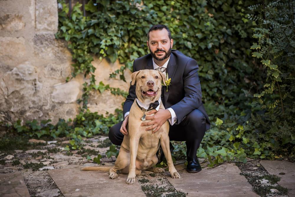 Novio con perro