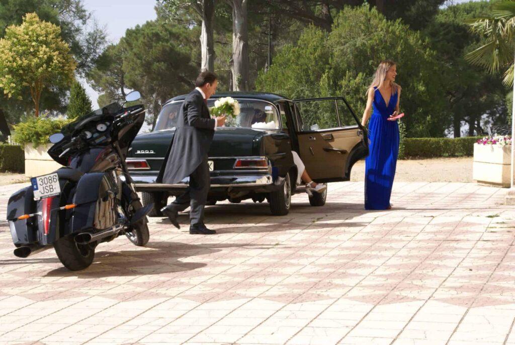 Novia llegando a boda en Aranda
