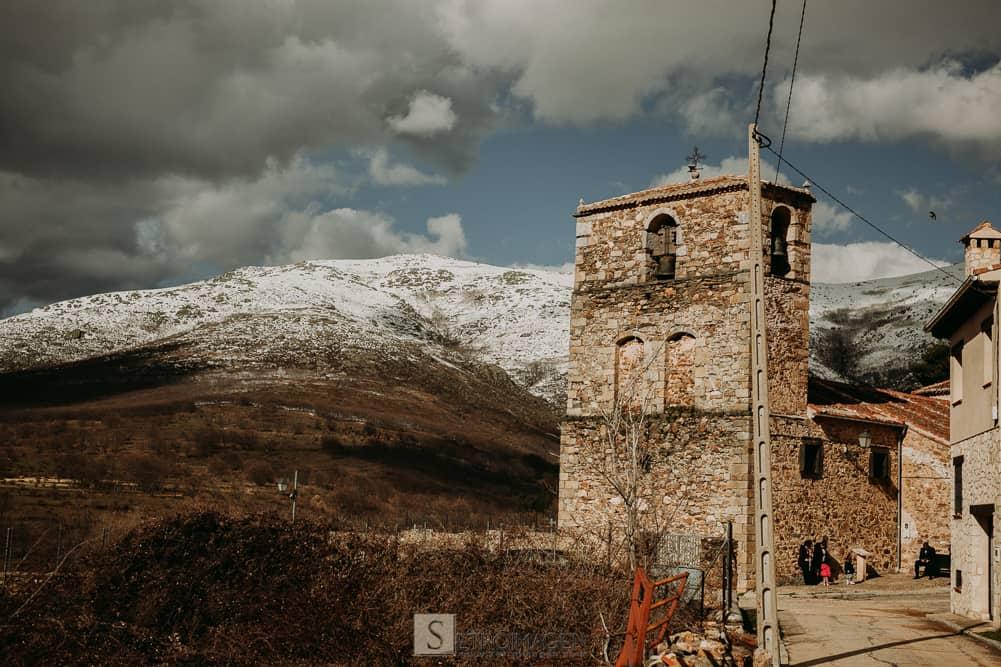 Iglesia Boda en la Sierra